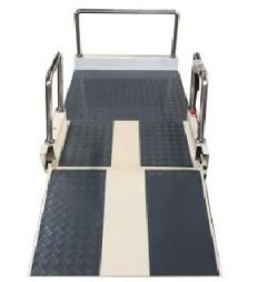 P-8902  NEW PORTABLE WHEELCHAIR LIFT WITH LANDING DOOR