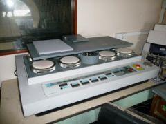 M-5090 JAMES HEAL NU-MARTINDALE ABRASION AND PILING TESTER MODEL 406