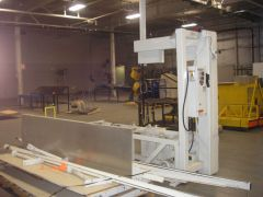 M-5225 EDGE SWEETS CL-2 VERTICAL FOAM SAW YEAR 2007